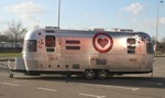 (Nederlands) All You Need is Love Airstream rijdt weer